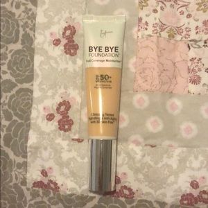 It Cosmetics Bye Bye Foundation SPF 50